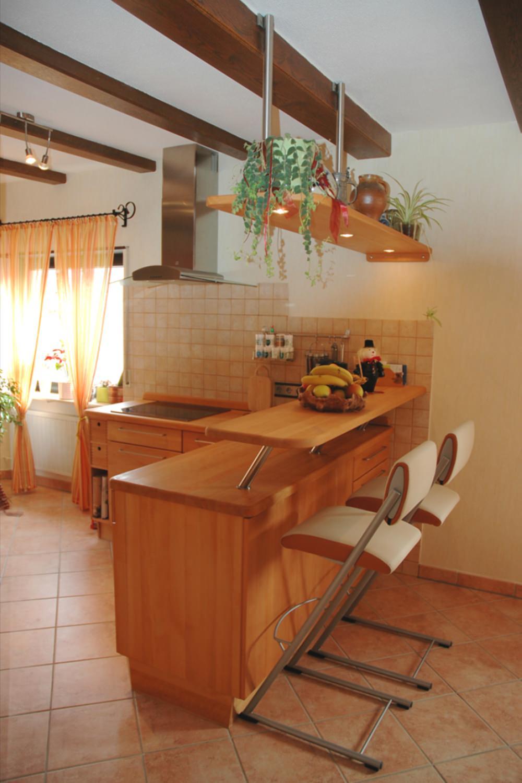 Massivholzküchen: Massivholzküche mit Küchentheke