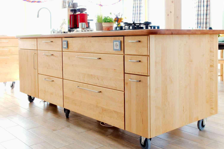 Pfister Küchen: Designküchen, Kücheninseln und mehr