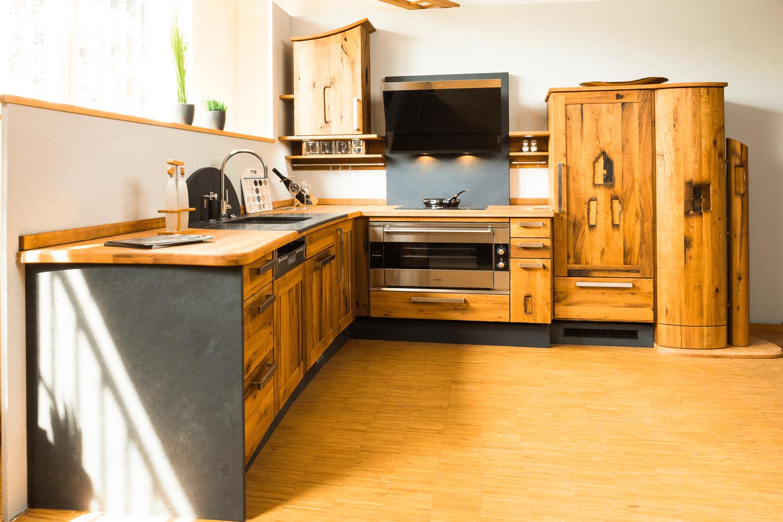 Moderne kuche im fachwerkhaus