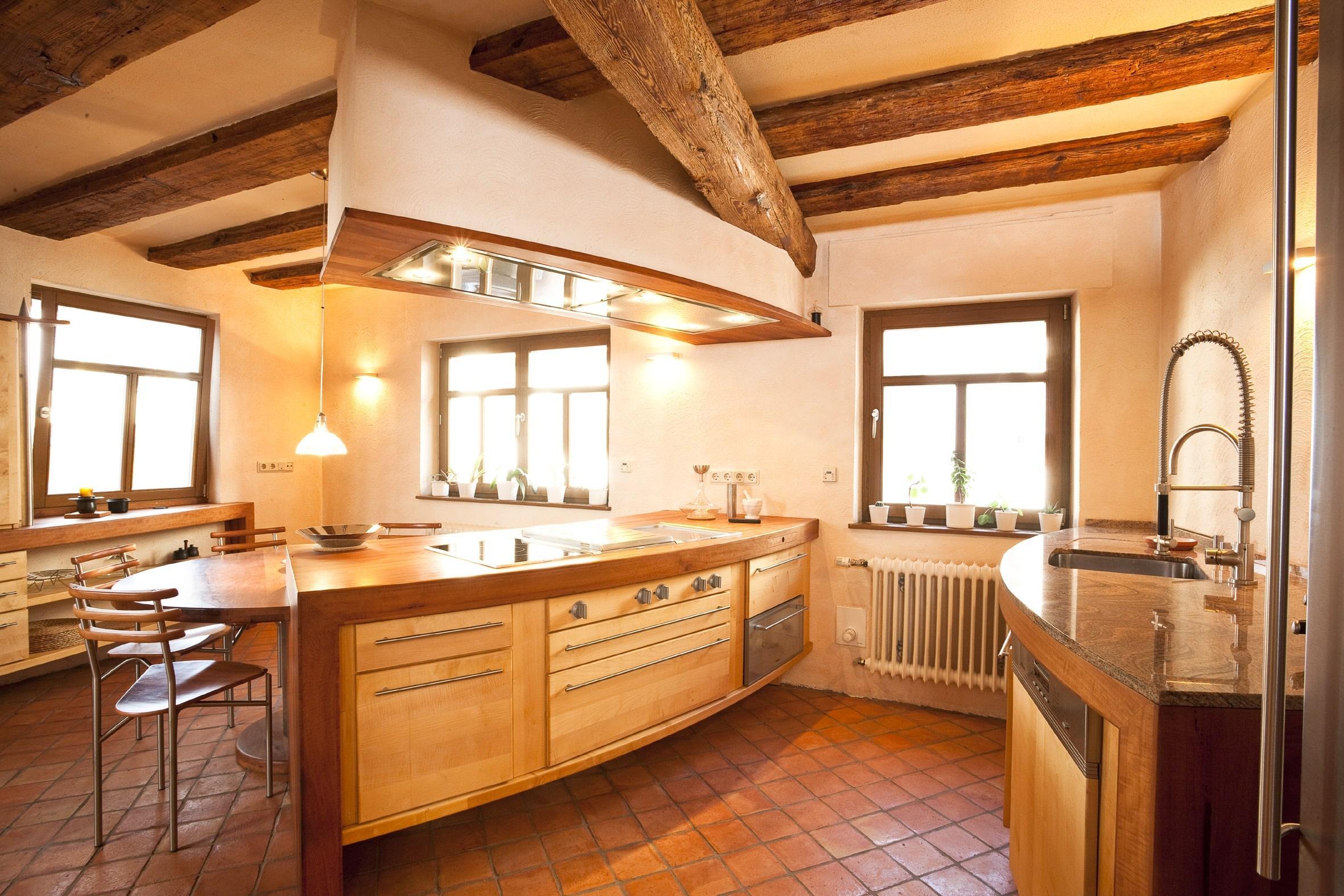 vollholzküche kücheninsel in birnbaum