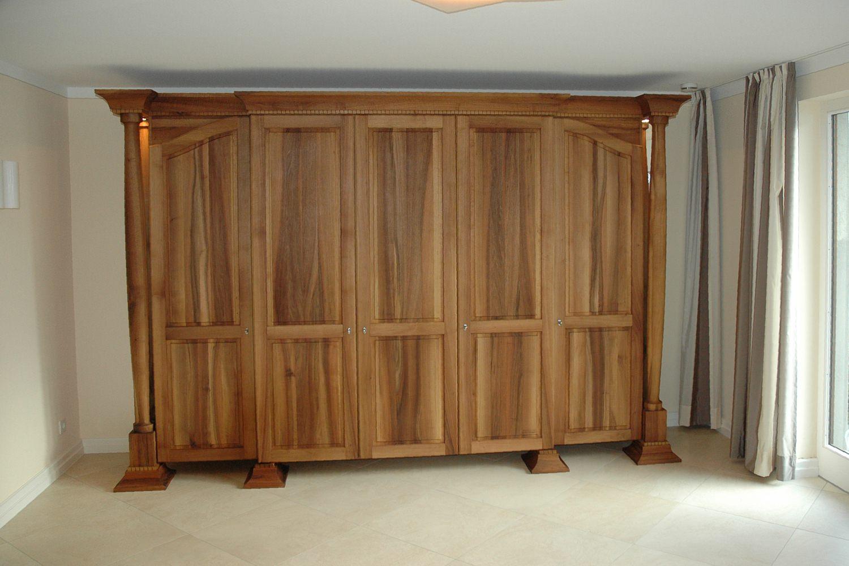 stilm bel garderobe in nussbaum. Black Bedroom Furniture Sets. Home Design Ideas