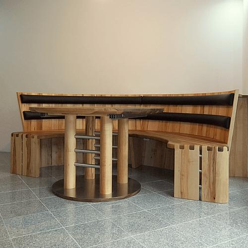 Massivholzmöbel