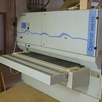 Küchenhersteller Pfister Möbelwerkstatt das Material wird auf den Mikrometer fein und streichelzart geschliffen