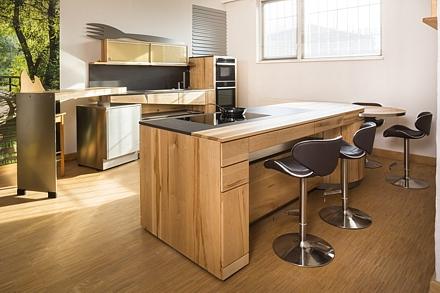 Elemente aus der Natur und der Architektur vereint zu der Massivholzküche Archi-tur